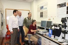 Los Doctores Carla Filkienstein y Daniel Capelluto de Universidad Tecnologica de Virginia.